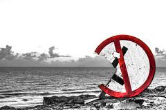 Love is a Losing Game - Amy (rqserra) Tags: loveisasosinggame amy amywinehouse beach landscape pretoebranco pb blachandwite bw black backtoblack fineart finearts fineartist art arte artphoto minimal minimalismo contemporaryart game rqserra natal brasil brazil