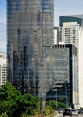 love you (my) São Paulo (Ruby Ferreira ®) Tags: edifícios reflection buildings sãopaulo city urban reflexos tree árvore cars carros tráfego