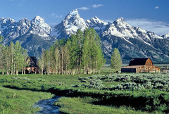 Moulton Barn: Grand Teton National Park, Wyoming (WY) (Floyd Muad'Dib) Tags: ranch usa mountain mountains barn america geotagged us site nationalpark unitedstates united north barns landmarks peak landmark historic northamerica states wyoming grandtetons peaks teton tetons northern americanwest sites wy moulton grandtetonnp grandtetonnationalpark historicsite historicsites ranches westernusa mormonrow antelopeflats northernwyoming moultonbarn wyomingranch thegalleryoffinephotography wyominglandmarks northernwy geotaggedwyoming