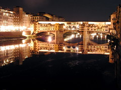 Florence by Night (Ponte Vecchio Bridge) (Jair Ribeiro BR) Tags: light italy night florence topv333 italia cathedral ponte topv firenze snapshots nightshots piazza duomo arno jacopo liberoliber notte jair vecchio repubblica ribbeiro firenzetag mybestshots i500 semana12 florencebest