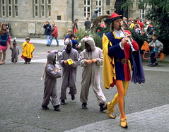 The Pied Piper of Hamelin (Small) Tags: 510fav germany topv5555 piedpiper hameln rattenfnger