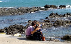 Couple (pijus) Tags: couple sea rocks beach love collioure france deleteme deleteme2 deleteme3 deleteme4 deleteme5 deleteme6 deleteme7 delete8 deleteme9 deleteme10