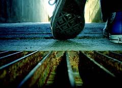 Preparado para caminar...? (Marco Figueroa) Tags: slippers macro color steps