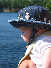 Leda checking out the St. Lawrence (cnbyates) Tags: stlawrenceriver thousandislands baby 1000islands