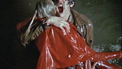 (BarelyFitz) Tags: namethatfilm dontlooknow nicolasroeg donaldsutherland red raincoat water drown father daughter girl