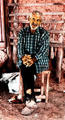 Aos (Ram!) Tags: viejo oldman abuelo years aos canas white hair sit sentado mirada azul barro canon eos 20d ramfotografia ram