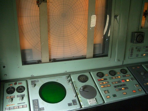 Nike missile acquisition radar and target plotter