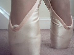 Pointe shoes (Freddy Newendyke) Tags: danceshoes shoes dance balletshoes ballet pointe pointeshoes