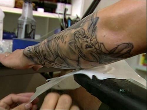 Wentworth Miller aplicación tatuaje