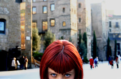Coral Goth in BCN (Second Take) (Toni Blay) Tags: coral goth barcelona gothic barri gotic hairdress look blue eyes blueeyes ojos azul mirada girl portrait photoshop interestingness lafotodelasemana lfsojos topf25