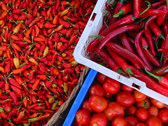 red hot in Sukawati (Farl) Tags: red spice pepper chili tomato colors display stall trays sukawati market fruits produce vegetable agora bali indonesia cabe pedas
