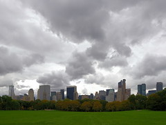 Sheep Meadow I (Michael from NYC) Tags: nyc newyorkcity newyork skyline centralpark manhattan sheepmeadow e500 zd 1122mm