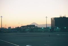 Mt. Fuji (Hyougushi) Tags: mountain japan airplane tokyo airport     mtfuji haneda ota tyo hnd     rjtt