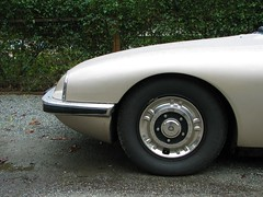nose job (Dill Pixels (THE ORIGINAL)) Tags: classic car wheel modern circle french design automobile citroen modernism sm engineering tire moderne exotic bumper fender 70s elegant curve rare modernist
