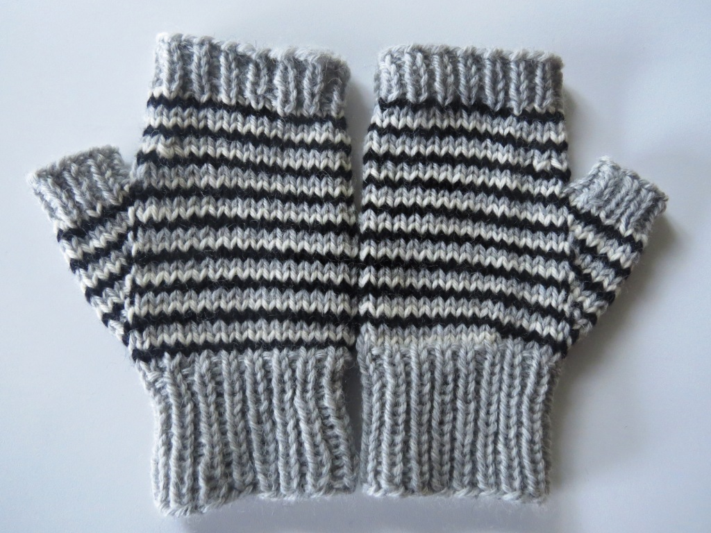 The Worlds Best Photos of hat and mitts - Flickr Hive Mind
