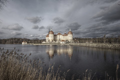 Advent calendar door 17 (murtica27) Tags: castle schloss burgen sachsen saxony deutschland winter germany lake see sea pond moritzburg king könig clouds sky sony alpha wideangle dresden hdr processing murtica himmel outdoor architecture architektur gebäude building