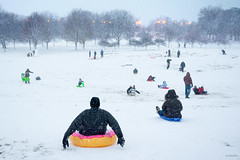 Snow Day (Andy Marfia) Tags: chicago uptown lakefront lakemichigan crickethill hill sledding snow winter d7100 1685mm 1125sec f56 iso900