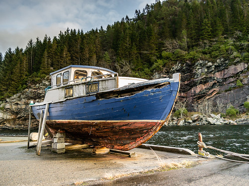 """""""The abandoned boat"""""""