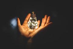Ideia de Natal (Italberto Dantas) Tags: canon 5dmkii 5d eos digital brasil brazil luzes lights natal xmas christmas mãos hands