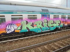 267 (en-ri) Tags: krise verde tramonto arrow train torino writing graffiti arancione fuxia