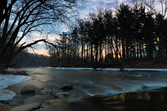 Last Ice On the River (mastodont) Tags: ryersonwoods lakecountyforestpreserves january wintertime desplainesriver sunrise