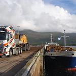 MV Raba agus JST Services Volvo FH16 agus Liebherr LH50 thumbnail