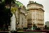 Plaza de Mayo (MiGodau) Tags: building argentina architecture arquitectura buenosaires edificio viagem cidades praçademaio