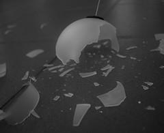 Christmas Crash (LikeTheHitter) Tags: christmas crash incidente natale accidente navidad accident noël weihnachten kraŝo jól hrun nollag tuairteála monochrome ball