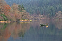 Relaxing on the loch (PeterYoung1.) Tags: atmospheric autumn ard beautiful boat green kinlochard lochard nature fishing peteryoung1 reflections trees scenic scotland uk water