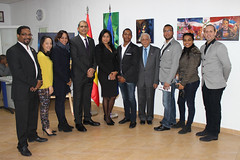 "Inauguración de la exposición ""Tierra Tricolor"" de Julio Reyes • <a style=""font-size:0.8em;"" href=""http://www.flickr.com/photos/136092263@N07/31714618154/"" target=""_blank"">View on Flickr</a>"