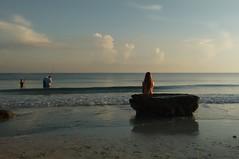 la sirenita (glezygber) Tags: landscape paisaje celular xt motorola cielo sky water blue summer sea people sunrise fish motog