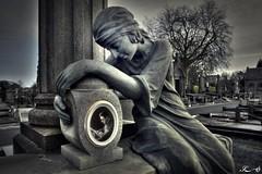 Cimetière de Tournai 2628 (Sleeping Spirit) Tags: cimetière tournai cemetary cemetaries