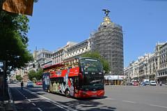 Madrid City Tour 04 (Cazador de imgenes) Tags: madrid street summer espaa bus photo spain nikon edificio centro streetphotography via verano gran metropolis streetphoto espagne spanien spagna spanje alcala spania  turistico 2015 spange d7000