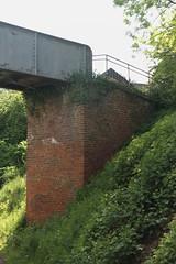 Voetbrug Vedrin 4 @ L142 (Peter Van Gestel) Tags: pont brug 142 spoor ligne voet pieton lijn spoorbrug nmbs sncb voetgangersbrug vedrin voetbrug