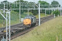 37604 Passes Basford Hall Junction (uksean13) Tags: train canon cheshire diesel rail railway loco crewe locomotive drs ef28135mmf3556isusm 37604 400d caseylane basfordhalljunction