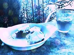 sugar baby love ..... (R-Pe) Tags: show camera abstract coffee yellow cake canon dessert photo essen nikon foto fotografie photographie tea sony picture kaffee pic exhibition peter eat gelb gift bild tee geschenk bilder ausstellung backen gebäck melancholie 1764 röbi 1764org www1764org