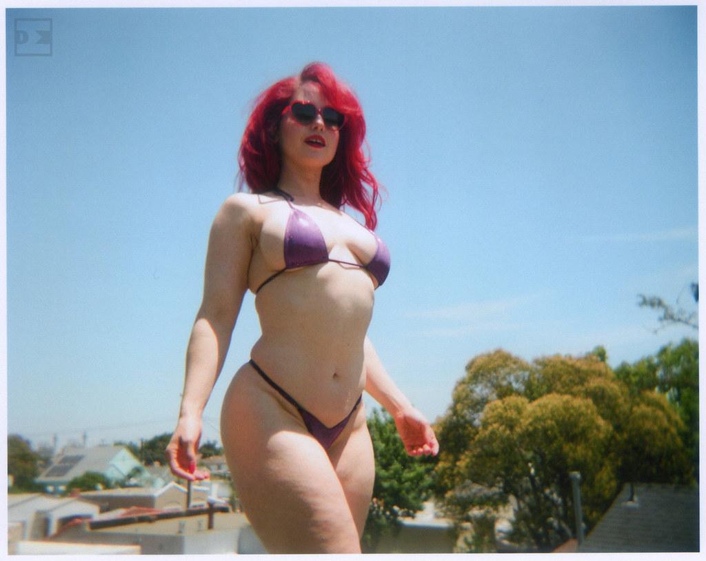 ab7d48e69678f AndreaR-H4-100 (artistbyday) Tags  california summer sexy girl sunglasses  holga