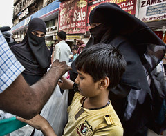 HL8A1490 (deepchi1) Tags: india muslim hijab bombay mumbai niqab