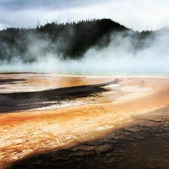 #yellowstone #wyomimg #hotspring #grandprismatic #latergram (chicabrandita) Tags: square lofi squareformat iphoneography instagramapp uploaded:by=instagram