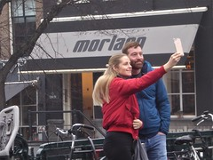 The kind selfie that one cannot miss, Amsterdam (Alta alatis patent) Tags: amsterdam selfie tourists morlang keizersgracht
