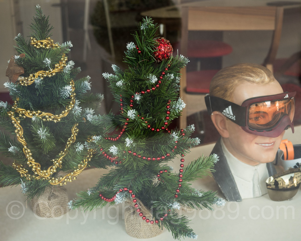 #896142 The World's Best Photos Of Christmas And Display Flickr  5545 decorations noel geneve 1024x819 px @ aertt.com