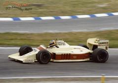 Thierry Boutsen - Arrows A9 BMW (Noodles Photo) Tags: thierryboutsen arrowsa9bmw arrows arrowsa9 groserpreisvondeutschland1986 grandprixgermany1986 formel1 formulaone rennwagen autorennen racing