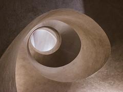 Chez Moebius (Clydomatic) Tags: muséeunterlinden colmar architecture escalier spirale hélice ocre