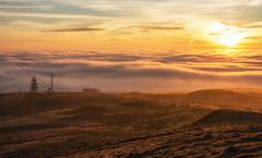Sunrise (Katherine Fotheringham) Tags: sunrise scotland inversion pylon sun cloud fog hill east lomond falkland fife
