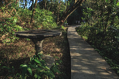 過客 _MG_9935 (阿Len) Tags: 紅淡山 keelung 基隆 台灣影像 健行 登山 trekking 6d 24lii ef24mmf14liiusm 戶外 outdoor 石桌 taiwan