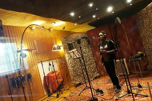 Aufnahme-Session im Tonstudio: Marjorie Etukudu - vocals