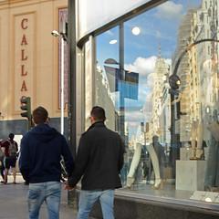 La otra Gran Va (Cazador de imgenes) Tags: madrid street espaa primavera spring spain nikon streetphotography 15 via gran streetphoto espagne spanien spagna spanje callao spania  2015 spange d7000