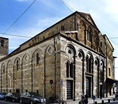 Pisa -  Chiesa di San Pietro in Vinculis (Martin M. Miles (gone for a walk)) Tags: italy pisa tuscany toscane toskana stpeteradvincula stpierreauxliens chiesadisanpietroinvinculis peterinketten saintpeterbehindwires