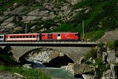 Deh 4/4 92 Realp (Luigi Basilico) Tags: mountain alps del switzerland eisenbahn ponte matterhorn svizzera bahn rosso alpi treno canton uri diavolo andermatt gotthard cremagliera göschenen