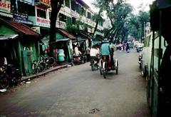 SAIGON 1967 - Đường Võ Di Nguy, Chợ Cũ (nay là đường Hồ Tùng Mậu) - by HG Waite (manhhai) Tags: waite vietnam 1967 saigon bienhoa macv advisoryteam98 ductu